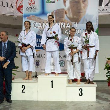Valentina Curatella medaglia d'oro di kumite ai campionati italiani FIKTA